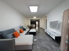 (城东区)天鸿水岸景城3室2厅2卫1500元/月128m²出租