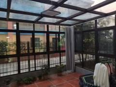恒安名仕苑,一楼带院40平已装阳光房前面幼儿园无遮挡