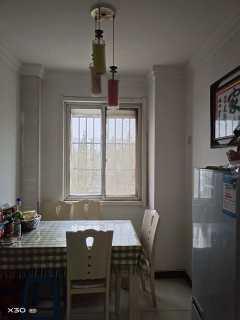 (新城区)中浙国贸花园3室2厅1卫1500元/月120m²中档装修出租
