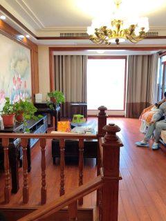 (新城区)君临华府4室2厅2卫315万204m²出售