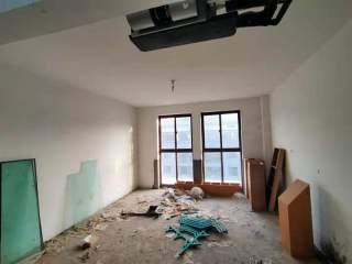 (新城区)金御蓝湖5室2厅2卫172万183.12m²出售